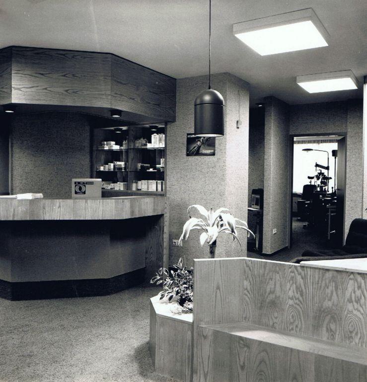 1981 interieur contactlenzen